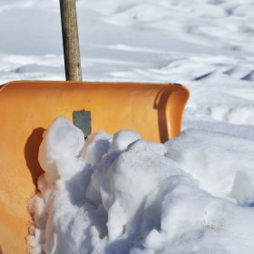 snow-shovel-2001776_1920